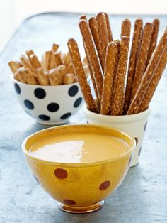 Beer Cheese Dip -- perfect with pretzels #dip #sauce #appetizer #snack