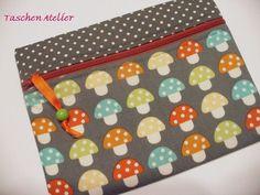 Mäppchen+Pilze+grau+++bunt+von+Taschen-Atelier+auf+DaWanda.com
