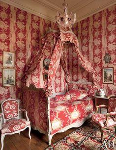 scalamandre decorated rooms photos | The Polish bedroom of artist Joy de Rohan-Chabot's Auvergne château ...