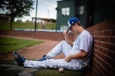 Baseball Tips And Advice For The Beginner Boy Senior Portraits, Senior Boy Poses, Senior Boy Photography, Baseball Photography, Photography Poses For Men, Senior Guys, Senior Session, Male Portraits, Portrait Poses