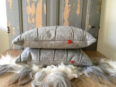 Cushion EKERS: #cushion in soft and cosy #grey , handmade of 100% #woolfelt.  FryskFilt op Etsy