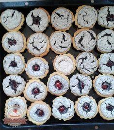 Diós és mákos kosárka Yummy Food, Delicious Recipes, Cake Cookies, Cukor, Delicate, Sweets, Meals, Poppy, Heaven