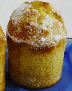 Os tradicionais bolinhos tão simples e tão saborosos! Estes bolos estão presentes na maioria das pastelarias portuguesas. Deite mãos à obra e faça pelas suas mãos estes maravilhosos Bolos de …