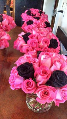Hot Pink and Black Roses - Great idea! Sweet 16 Parties, Pink Parties, Black Party Decorations, Wedding Decorations, Wedding Colors, Wedding Flowers, Fuschia Wedding, Pink Black Weddings, Our Wedding