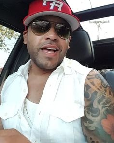 Anyone That Has Been Following For The Past Couple Of Years. Knows That  I Always Post A Tribute Music Video In Honor Of The Puerto Rican Day Parade. So Please Enjoy Sing Along If You Know The Song. To My Haters I Know I Can't Sing. It's Not About Me Singing But Rather Me Represent Who I Am. A Boricua At Heart And trust I Will Sing Out Loud. Puerto Rico Stand Up We Got Something To Be Proud Of. #BoricuaPride🇵🇷 #Boricua🇵🇷 #PuertoRican #NewYorkRican #PuertoRicanDayParade