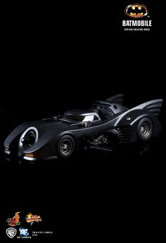 Hot Toys : Batman - Batmobile 1/6th scale Collectible Vehicle