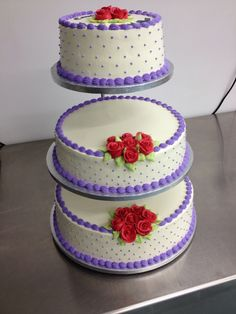 3 tier wedding cake with stand