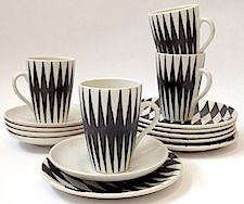 Kupittaan Savi, Okki Laine, Finland Porcelain Ceramics, Ceramic Bowls, Ceramic Pottery, Paint Your Own Pottery, Taking Shape, Espresso Cups, Scandinavian Design, Cup And Saucer, Kitchenware