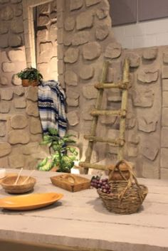 Nonna's Craft Corner: VBS Love this, It looks so real. Christmas Drama, Ward Christmas Party, Christmas Program, School Decorations, Christmas Decorations, Easter Play, Altar, Church Stage Design, Vacation Bible School