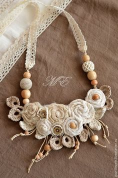 Купить Вязаное слингоколье (слингобусы) ванильные розы - бежевый, цветочный, слингобусы, слинго-бусы