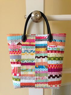 Fabric Strips Bag [crazy mom quilts] - Love scraps! I would like to try this with squares alternating the direction of the strips.
