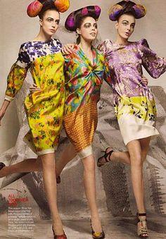 Raquel Zimmermann, Coco Rocha, Caroline Trentini Hair: Julien d'Ys Fashion Editor: Grace Coddington Photographed by Craig McDean, Vogue, March 2008 Foto Fashion, Quirky Fashion, Colorful Fashion, Fashion Beauty, Colorful Hair, High Fashion, Catwalk Fashion, Fashion Face, Fashion Spring