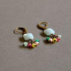 """Boucles d'oreilles fantaisies """"Jessica"""" pierres semi précieuses sur dormeuses bronzes : Boucles d'oreille par kanakeis"""
