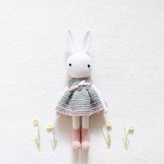 Mein Häschen wünscht einen entspannten Sonntag  my bunny girl wishes you a relaxing and crafty Sunday  tavşan kızım size huzurlu ve yaratıcı bir pazar diliyor  - Pattern  Kessedjian • yarn  DMC Natura • hook size  2,5mm -