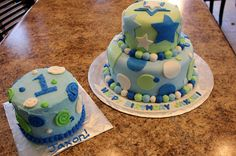 Keeping up with the Kitchen Mom: Boy's First Birthday Cake plus Smash Cake