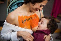 Mães argentinas organizam mamaço coletivo pelo direito de amamentarem em público