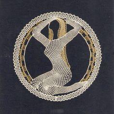 znamení - heli - Álbumes web de Picasa Bobbin Lacemaking, Bobbin Lace Patterns, Lace Heart, Victorian Lace, Lace Jewelry, Lace Making, Lace Collar, String Art, Lace Detail