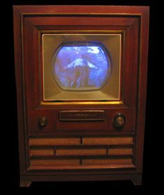TV sets and Colour Television sets from the Dawn of Television until Now Radio Vintage, Antique Radio, Vintage Tv, Color Television, Vintage Television, Tvs, Radios, City Of Blinding Lights, Music Machine
