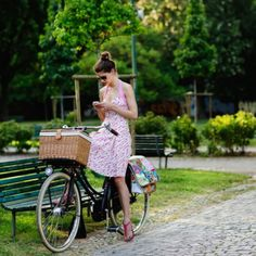 Fashion AND bike with a basket? YES PLEASE!!