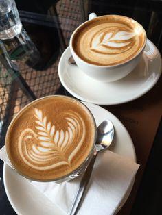 Best Coffee Part 78 Coffee Latte Art, Coffee Girl, Coffee Is Life, Coffee Cafe, But First Coffee, Best Coffee, Coffee Shop Photography, Planet Coffee, Fresh Roasted Coffee