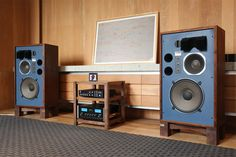Vintage audio hi fi stereo music listening room - Thomas Pläsken - Diy Speakers, Stereo Speakers, Som Retro, Sound Room, Radio Antigua, Audio Room, Hifi Audio, Audio Music, Car Audio