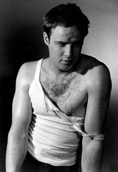 Gay a Hollywood: Marlon Brando sottometteva sessualmente James Dean! Hooray For Hollywood, Hollywood Stars, Classic Hollywood, Old Hollywood, Marlon Brando, Divas, James Dean, Streetcar Named Desire, Actrices Sexy