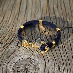 ANCHORED Anchor bracelet in gold steel waterproof