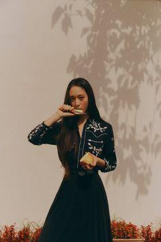 Krystal Fx, Jessica & Krystal, Jessica Jung, Krystal Jung Fashion, Selfies, Pretty People, Korean Girl, Kpop Girls, Korean Fashion