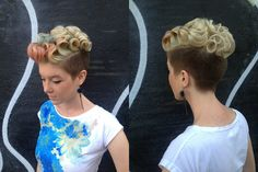 Two toned undercut mirror shot. wow very pretty and creative.