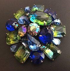 Signed-KRAMER-Vintage-Brooch-Pin-Blue-Green-Givre-Glass-AB-Rhinestone-Tier-B012