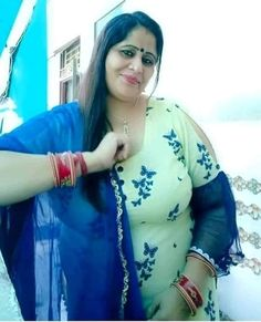 Beautiful Girl In India, Beautiful Women Over 40, Beautiful Women Pictures, Indian Girl Bikini, Indian Girls, Sumo, Arab Girls Hijab, Saree Photoshoot, Voluptuous Women