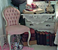 Penny's Vintage Home: Decorating with Books