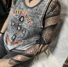 Unique Tattoo Ideas for Guys . 40 Unique Tattoo Ideas for Guys . Geometric Forearm Tattoo Designs, Geometric Tattoo Inspiration, Upper Arm Tattoos Designs, Key Tattoo Designs, Tribal Arm Tattoos, Tattoo Platzierung, Hand Tattoo, Laser Tattoo, Rib Tattoos For Guys