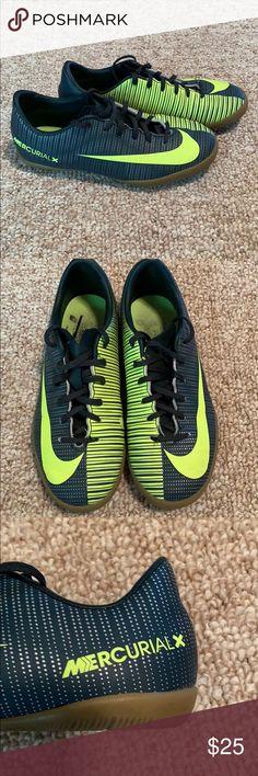 Nike Mercurial CR7 Indoor Soccer Shoes Nike Mercurial Cristiano Ronaldo  (CR7) Kids Indoor Shoes 5d434169ff0