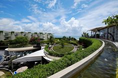 25 Best Things to Do in Kuta (Bali) - The Crazy Tourist Bali Shopping, Kuta Bali, Best Carry On Luggage, Bali Travel Guide, Landscape Architecture Design, Round House, Beach Walk, Night Life, Travel Destinations