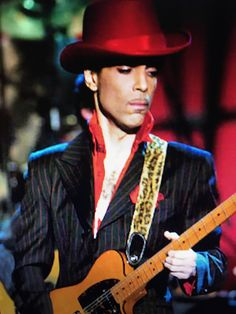 Prince playing while my guitar gently sleeps with tom petty RIP.... two legends.