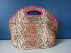 Bolso de neoprene, Lunchera, Necesaire Nice, Bags, Backpacks, Style, Handbags, Nice France, Bag, Totes, Hand Bags
