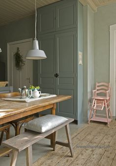 Traditional Paint en Fresco in de kleur Blue Reef, toegepast in de eetkamer 2 Traditional Paint, Small Room Bedroom, Love Home, Dining Area, Dining Room, Home Interior Design, Home And Living, Interior Inspiration, Home Kitchens