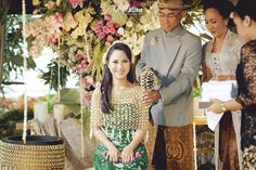 Processional in traditional wedding | Inspiring post by Bridestory.com, everyone should read about Elegant Traditional Wedding of Chacha Frederica and Dico Ganinduto on http://www.bridestory.com/blog/elegant-traditional-wedding-of-chacha-frederica-and-dico-ganinduto