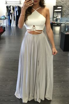 perfection. grey and white is such an elegant combo
