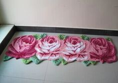 carpet with roses KITSCH ;)