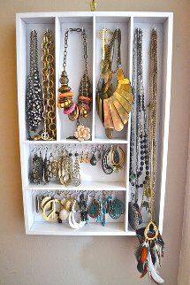 NecklaceandEarringOrganizer From Clutter to Cute: DIY Jewelry Organizers Roundup