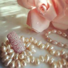 Wedding chic nail art roses