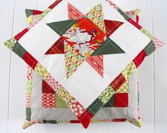 Well, I finished up my Christmas pillows a couple days ago, and I took a few minutes to take some photos this afternoon. I liked every shot,...