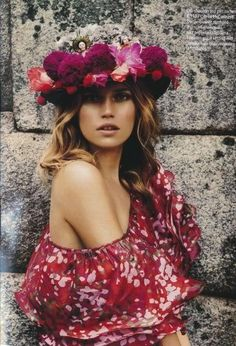 flower woman  fashion  photography  flower  boho  chic  portrait Sombreros da079afb4de3