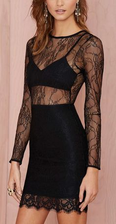 Lace dress / love that it's like a pencil skirt and crop top but all in one