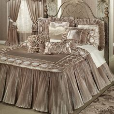 The exquisite Marquis Champagne Blush Bedding will take your breath away. The flounce-style, polyester satin Grande Oversized Bedspread has dash quilting throughout, framed by a shirred mini ruffle oval chain design. Bedroom Sets, Home Bedroom, Bedroom Decor, Dream Bedroom, Champagne Bedroom, Luxury Bedspreads, Shabby Chic Zimmer, Victorian Bedroom, Luxury Bedding Sets