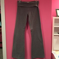 Aerie boot cut yoga pants  Hardly worn! Like new. No rips/stains. aerie Pants