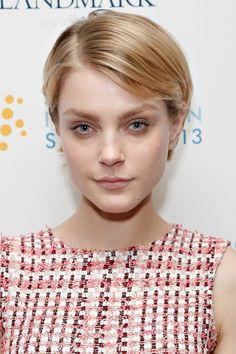We love Jessica Stam's side-parted pixie style!