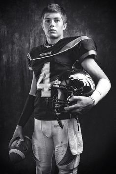 Sport Photoshoot Ideas Football Poses 35 Super Ideas – Sport is lifre Football Senior Photos, Football Poses, Football Cheer, Senior Pictures Boys, Football Pictures, Sports Photos, Senior Pics, Senior Year, Softball Pics
